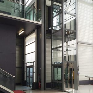 TBO Aufzug-DomusLift-Flugzeug Hangar (3)